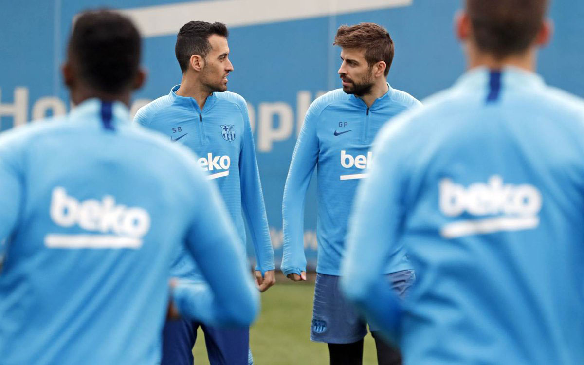 c29e1ca1f4b Mens Barca gjorde sig klar til Supecopa Catalunya, mødtes de fravalgte  spillere til opgøret til træning i Ciutat Esportiva for første gang siden  den vigtige ...